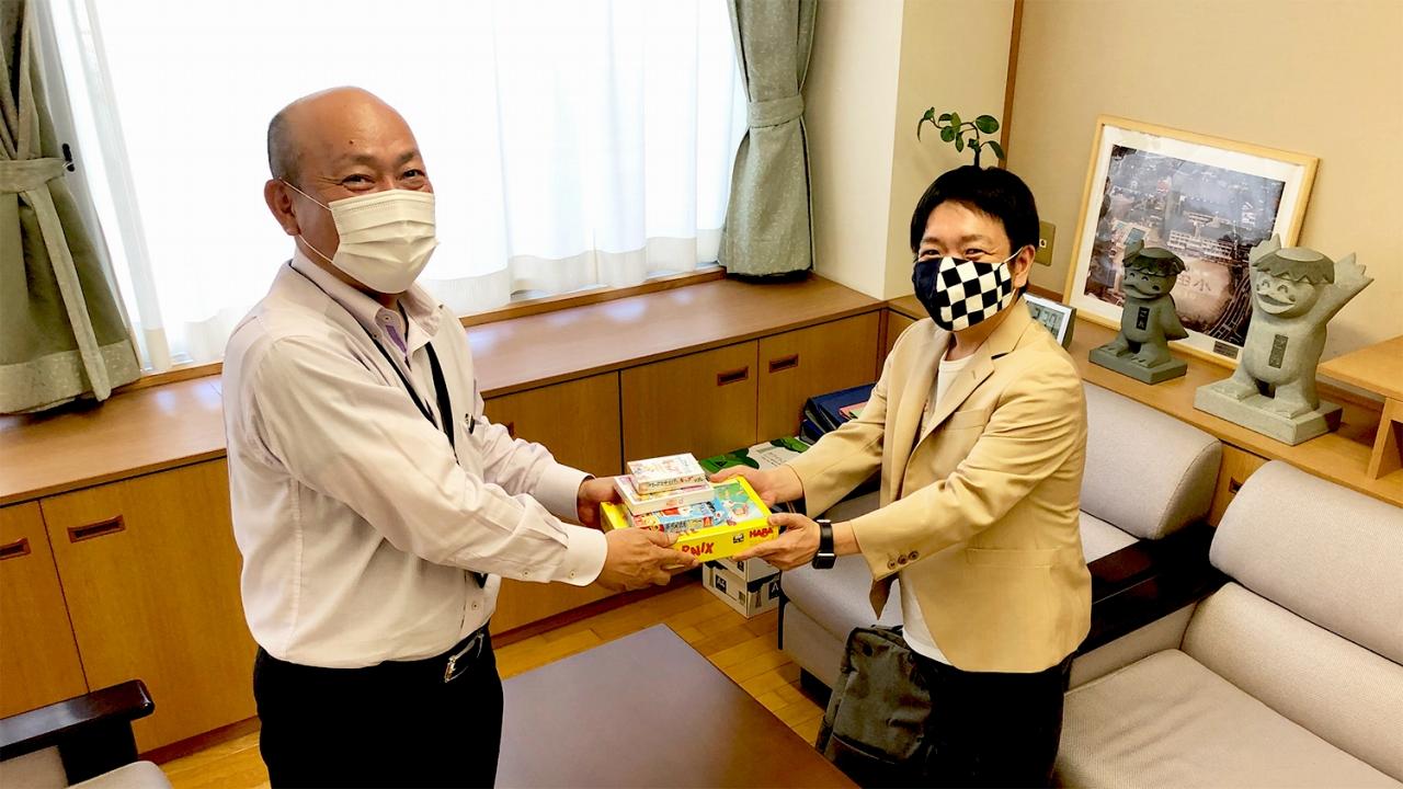 津山市立林田小学校へ知育ゲームを届けました
